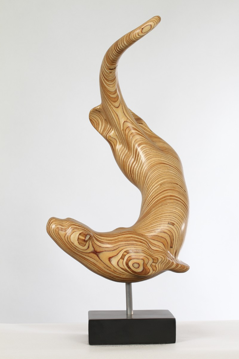 Diving otter sculpture by wildlife artist bill prickett